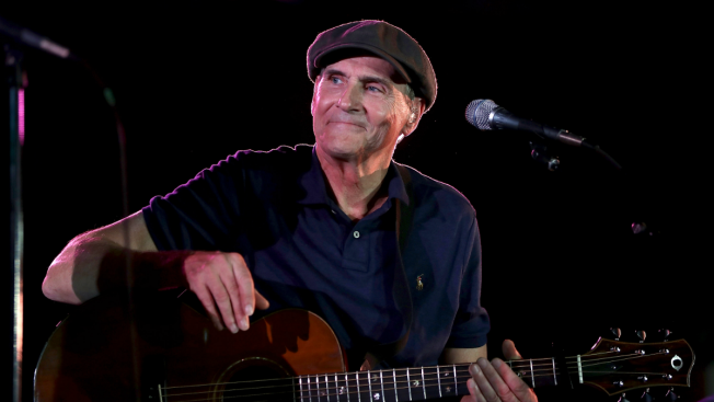 James Taylor to Play Wrigley Field with Bonnie Raitt