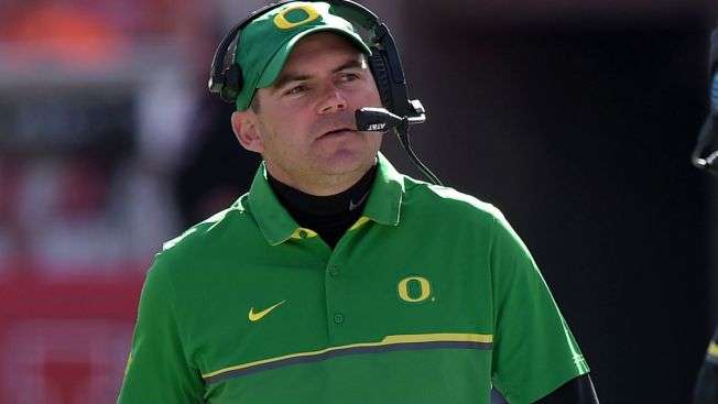 Bears Hire Former Oregon Coach as Offensive Coordinator: Report