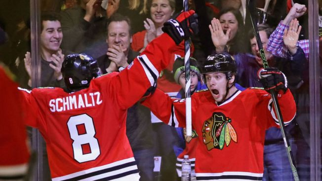Blackhawks Clinch Playoff Berth in Win Over Avalanche