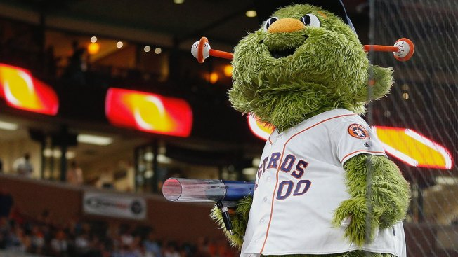 Woman Sues Astros for $1M, Says T-Shirt Cannon Broke Finger