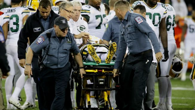 Packers top Bears, lose Montgomery & Adams to injury