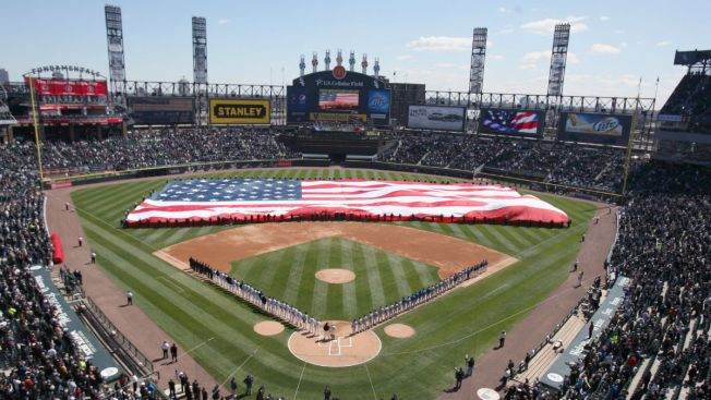 Chicago Sports Teams Mark Memorial Day on Social Media