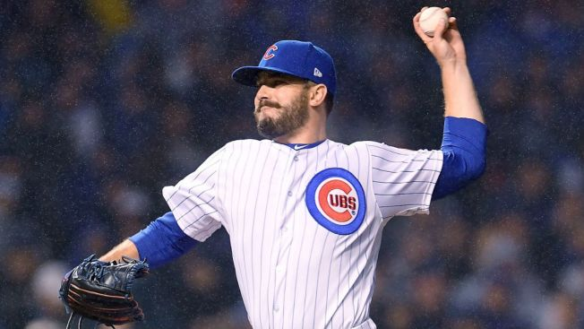 Cubs bring back lefty reliever Brian Duensing