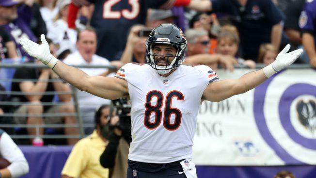 Bears Tight End Zach Miller Gets Special Visitor at Hospital