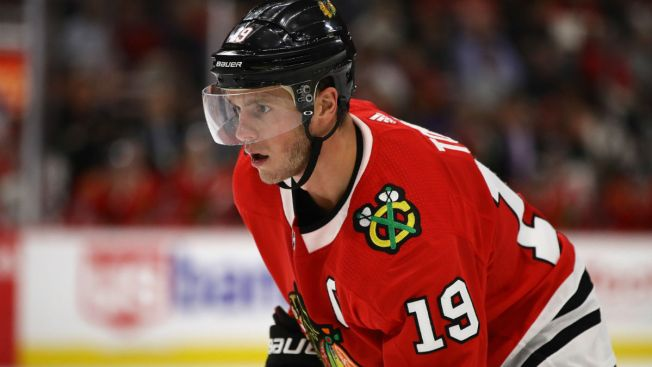 Blackhawks Drop Fourth Straight as Kings Win