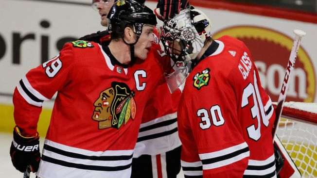 Jeff Glass Makes 31 Saves as Blackhawks Beat Jets