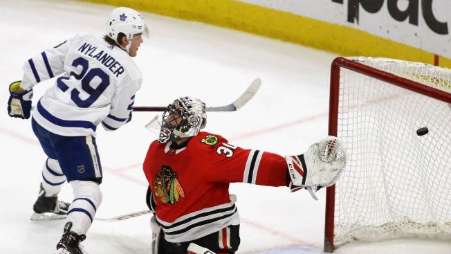 Nylander Overtime Goal Lifts Maple Leafs Over Blackhawks