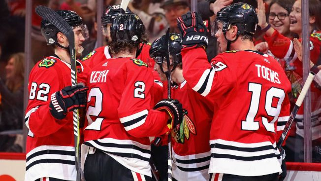 Late Patrick Kane Goal Lifts Blackhawks Past Bruins