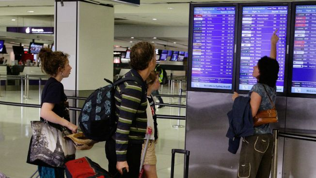 Over 150 Flights Cancelled Due to Dense Fog at Chicago Airports