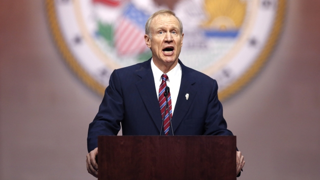 As Governors Dine with the Obamas in D.C., Rauner Returns Home