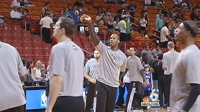 Even on Bench, Jason Collins Gets Support From Fans in Miami