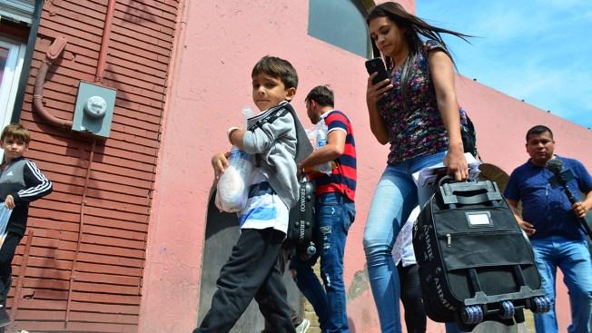 US Returns First Group of Asylum Seekers to Nuevo Laredo