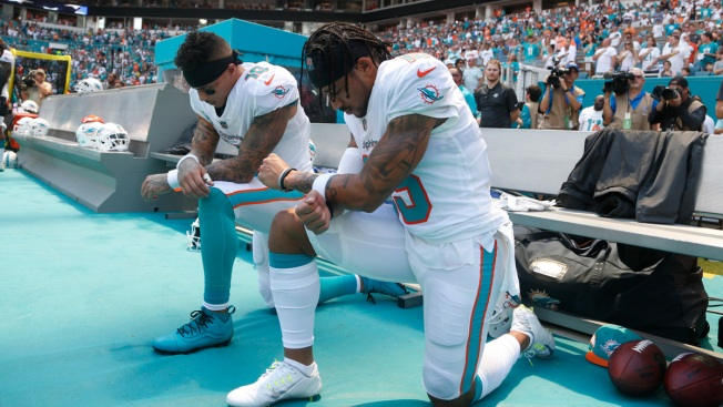 Only a Handful Take Action During Anthem on NFL's 1st Sunday