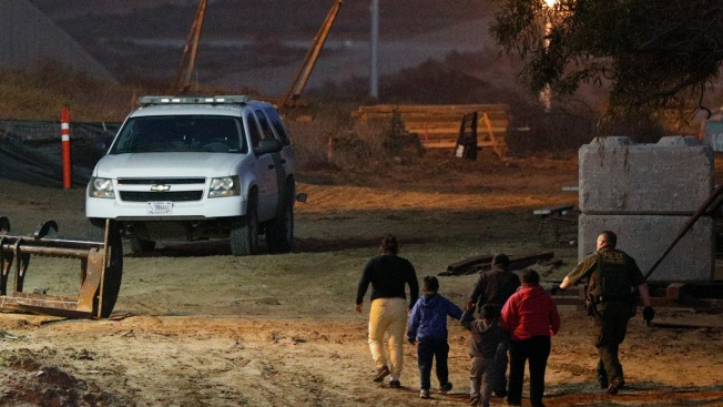 Guidelines Ask Agents to Target Spanish Speakers at Border