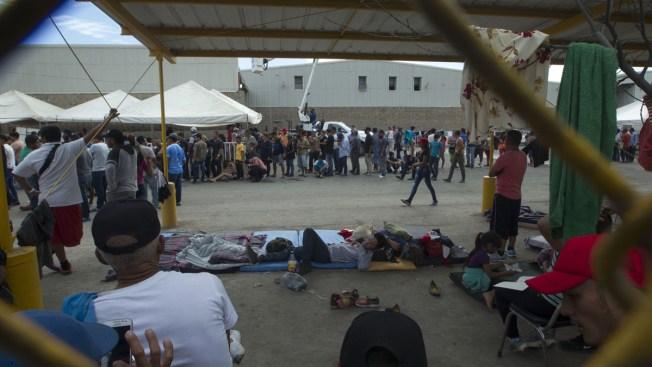 Just 20 Migrants Per Day in New Caravan Can Cross Into Texas