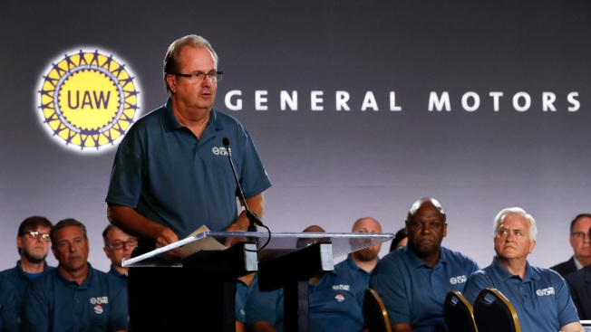 Union President Steps Down as General Motors Sues Fiat Chrysler Over Alleged Bribery