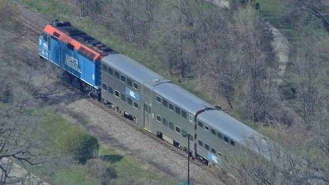 Train Hits Person Near Wilmette, Halts Metra Service