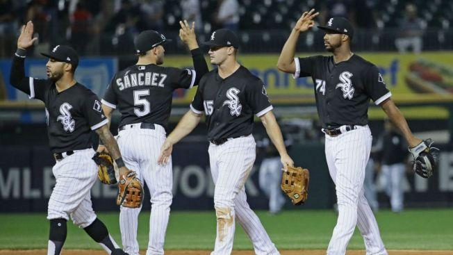 Jiménez Slam Helps White Sox Power Past Royals 7-3