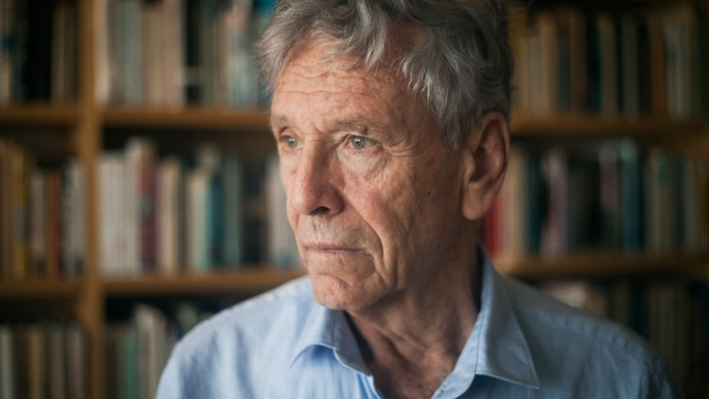 Acclaimed Israeli Author Amos Oz Dies at 79