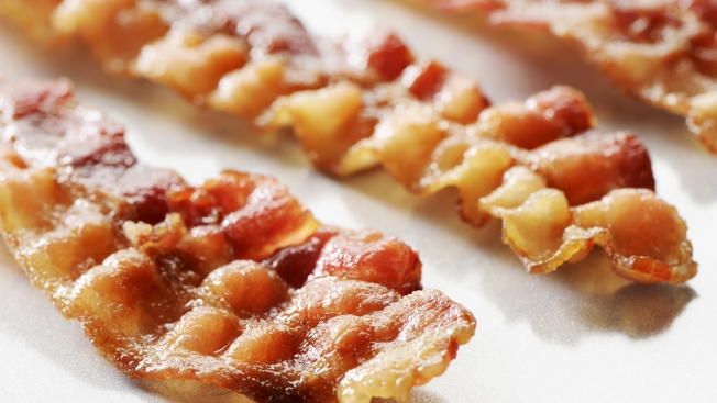 U.S. Bacon Prices Rise After Virus Kills Baby Pigs