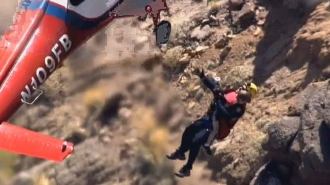 Chicago Father, Son Rescued off Ariz. Mountain