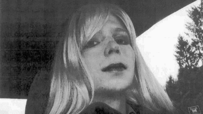 Chelsea Manning Releases 1st Statement Since Clemency Win
