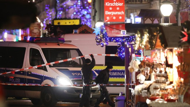 German police evacuate Christmas market due to suspicious object