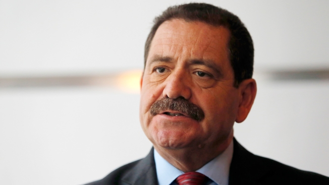 Chuy Garcia Returns a Favor, Campaigns for Bernie Sanders in Iowa