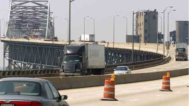 Chicago Skyway Toll Workers Plan Labor Day Weekend Strike – NBC Chicago