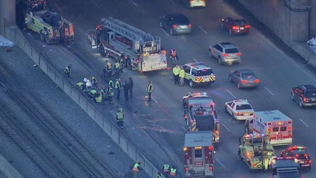 1 Dead in Rollover Crash That Affected Red Line