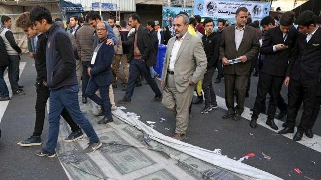 Iranians Fear More Economic Pain as US Sanctions Kick in