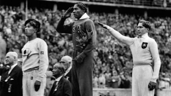 """Jesse Owens Gold Medal Auction """"Difficult"""" for IOC President"""