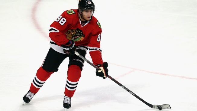 Patrick Kane Breaks Late Tie, Blackhawks Beat Blues 3-1
