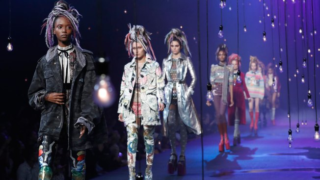 Marc Jacobs Apologizes for Response to Critics of Dreadlocks