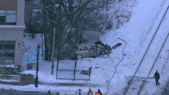 Metra Train Collides With Vehicle in Itasca