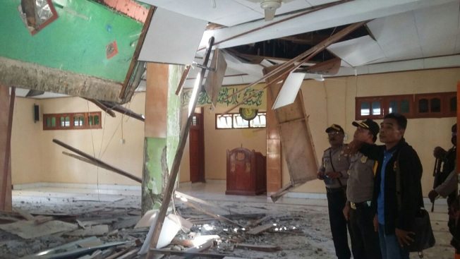 Papua New Guinea Quake Killed at Least 15, Injured Dozens