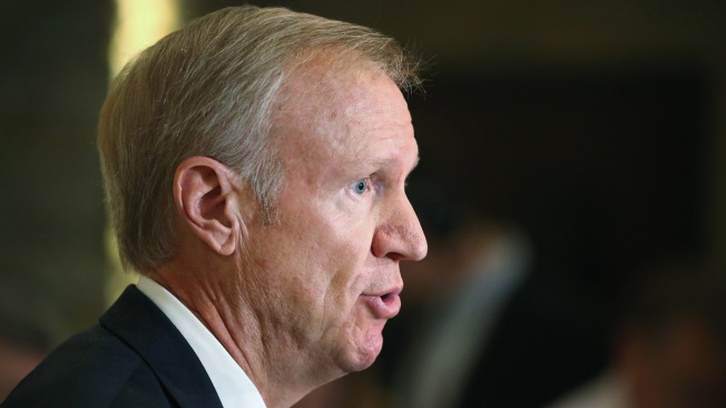 Rauner Touts Effort Train Prison Staff on Mental Illness