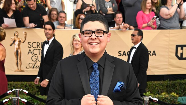 'Modern Family' Child Star Mourns Father in Instagram Post