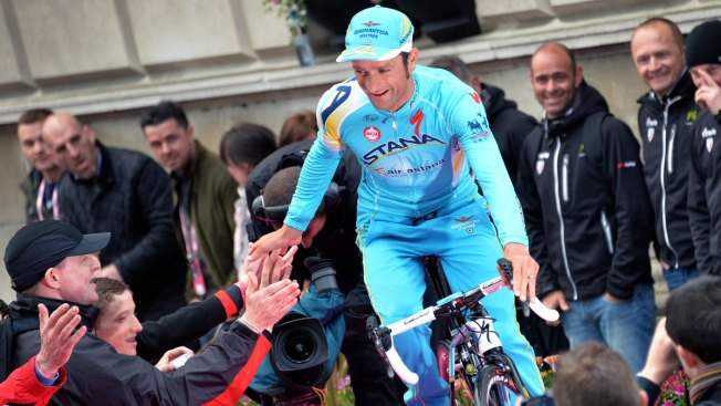 Italian Cyclist, Former Giro Winner Scarponi Dies After Being Hit by a Van