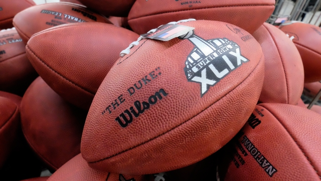 Locker Room Worker Took Patriots' Footballs Into Restroom: Reports