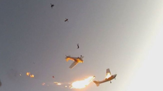 Skydivers Recount Mid-Air Collision, Vow to Jump Again