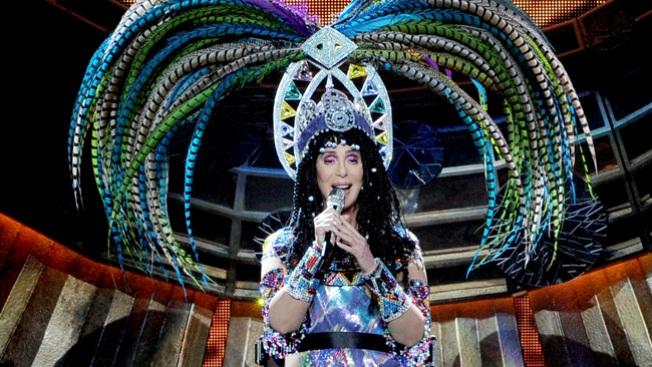 "Cher Cancels Remaining ""Dressed to Kill"" Tour Dates"