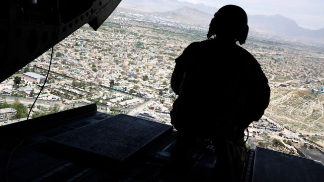 US Afghan Plan Involves 3,900 More Troops, Pressure on Pakistan