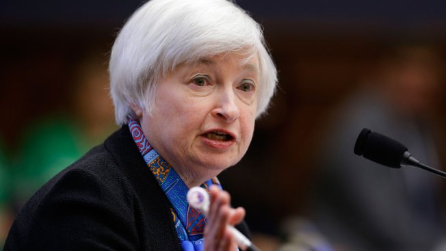 Fed Chair Signals 'Strengthened Case' for Rate Hike