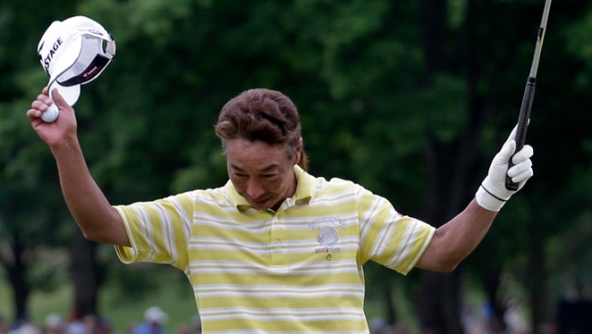 Perry Collapses, Idoki Takes Senior PGA