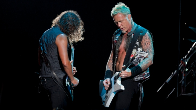 Metallica Burns it up at Start of Mexico Tour