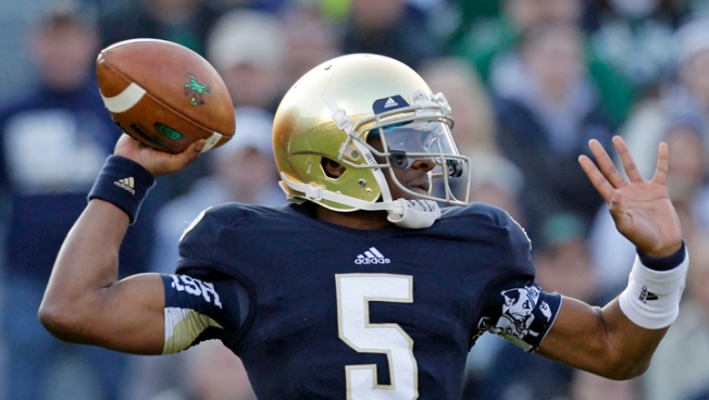 No. 3 Notre Dame Stays Perfect, Beats Wake Forest