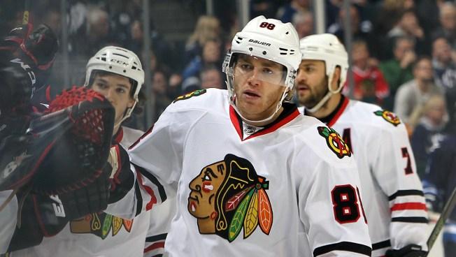 Three Stars: Kane, Hossa Drive Offense Even as Hawks Fall Short