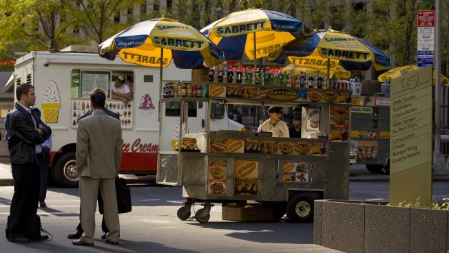 City Council Overturns Chicago's Ban on Food Carts