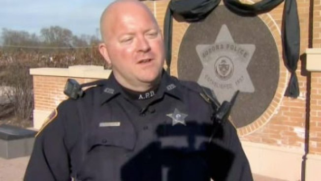 aurora officer pulls over stolen car full of gifts saves familys christmas - Christmas Gifts For Police Officers
